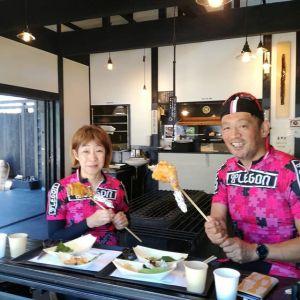 2月にお友達と、神奈川県からいらしたロードバイク乗りのご夫婦が、今日はお二人で来て下さいました🚴🚴 @tatsuokadowaki さんと @yuko.573 さんですお二人の鍛え上げられた健康美、店主と私も見習わなくては 再びお会い出来てとても嬉しかったです🤗ご来店ありがとうございましたhttp://ikadamitake.com営業時間11~17時(夏季)木曜定休(祭日は営業)#炭鳥 #蔵 #筏 #ikada #Tokyo #mitake #御岳 #御岳山 #mitakesan #御岳山ロックガーデン #武蔵御嶽神社 #多摩川 #御岳渓谷 #奥多摩フィッシングセンター #奥多摩 #ブドウ山椒 #おにぎり #味玉 #tasty #バイク #ロードバイク #カヌー #カヤック #リバーSUP #アルパインクライミング #デッドエンド #ジムニー #ペット可 #trek #look