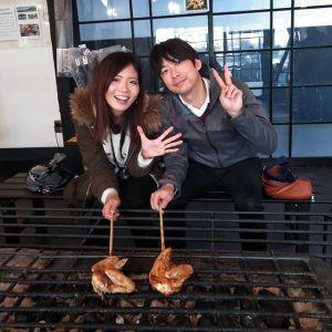 埼玉県大宮市からお越しのカップルです紅葉を見に #奥多摩ドライブ にいらした際に、お昼ごはんにお立ち寄り下さいました🥚 「オーブンで中までしっかり火を通した後、ご自身で炙って仕上げて頂きます」とご説明した際に、彼女さんが「わぁ〜」と、素敵な笑顔になってくれたのがとっても印象的でした🤗 ご来店ありがとうございましたhttp://ikadamitake.com営業時間・4月〜12月 11〜17時金曜定休(祭日は営業)※むかし鳥、ばくだんは数に限りがございます。1個からお取り置き致します♪Tel.0428-85-8726#むかし鳥 #鶏肉 #炭鳥ikada #ばくだん #mitake #tokyo #御岳 #御嶽駅 #御岳山 #御岳山ロックガーデン #武蔵御嶽神社 #多摩川 #御岳渓谷 #東京アドベンチャーライン #御岳ランチ #奥多摩フィッシングセンター #奥多摩 #日原鍾乳洞 #味玉 #串 #バイク #ロードバイク #カヌー #カヤック #riversup  #デッドエンド #ペット可
