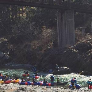 今朝の多摩川・杣の小橋の下リバースポーツが盛んな、御岳渓谷🏞️3月に入り、早くもシーズンが始まった様です🤗http://ikadamitake.com営業時間・1月〜 3月 11〜16時4月〜12月 11〜17時金曜定休(祭日は営業)※むかし鳥、ばくだんは数に限りがございます。1個からお取り置き致します♪Tel.0428-85-8726#むかし鳥 #体験型 #炭鳥ikada #ばくだん #mitake #御岳 #御嶽駅 #御岳山 #御岳山ロックガーデン #武蔵御嶽神社 #御岳神社 #多摩川 #御岳渓谷 #東京アドベンチャーライン #御岳ランチ #奥多摩フィッシングセンター #奥多摩 #日原鍾乳洞 #青梅線五日市線の旅 #imatamagourmet #okutama #バイク #ロードバイク #カヌー #カヤック #riversup #デッドエンド #ペット可 #リバースポーツ #杣の小橋