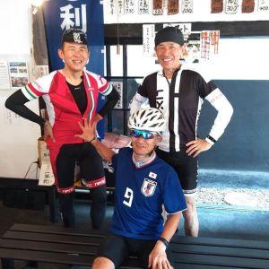 神奈川県からお越しの、ロードバイク乗りの3名様です#アラ還 トリオで #白丸ダム の #魚道 に行かれた帰りに、お昼ごはんにお立ち寄り下さいました🤗🥚愛車は #colnago #gios #felt です🚴🚴🚴 皆様気さくで紳士的な方々でしたお話ししていて楽しかったですご来店ありがとうございましたhttp://ikadamitake.com営業時間・4月〜12月 11〜17時1月〜3月 11〜16時金曜定休(祭日は営業)※むかし鳥、ばくだんは数に限りがございます。1個からお取り置き致します♪Tel.0428-85-8726#むかし鳥 #体験型 #炭鳥ikada #ばくだん #mitake #御岳 #御嶽駅 #御岳山 #御岳山ロックガーデン #武蔵御嶽神社 #御岳神社 #御岳渓谷 #バイク #ロードバイク #サイクリング #カヌー #カヤック #ラフティング #riversup #御岳ボルダー #ペット可