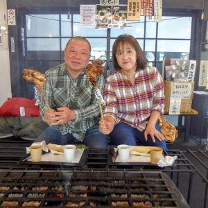 日野市にお住まいのご夫婦です旨味のある固い鶏肉が大好きで、日本全国を食べ歩きなさっているのだそうです炭鳥ikadaの事はネットでお調べになって見つけて下さったそうで #奥多摩ドライブ がてら、お昼ごはんにお越し下さいました🤗🥚むかし鳥をお気に召して頂けた様で良かったですご来店ありがとうございましたhttp://ikadamitake.com営業時間・1月〜3月 11〜16時4月〜12月 11〜17時金曜定休(祭日は営業)Tel.0428-85-8726#むかし鳥 #体験型 #炭鳥ikada #ばくだん #mitake #御岳 #御嶽駅 #御岳山 #御岳山ロックガーデン #武蔵御嶽神社 #御岳渓谷 #御岳ランチ #青梅ランチ #奥多摩フィッシングセンター #奥多摩 #奥多摩湖 #バイク #ロードバイク #サイクリング #カヌー #カヤック #ラフティング #riversup #御岳ボルダー #ペット可