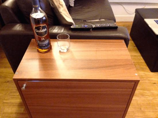 side table mini bar 3