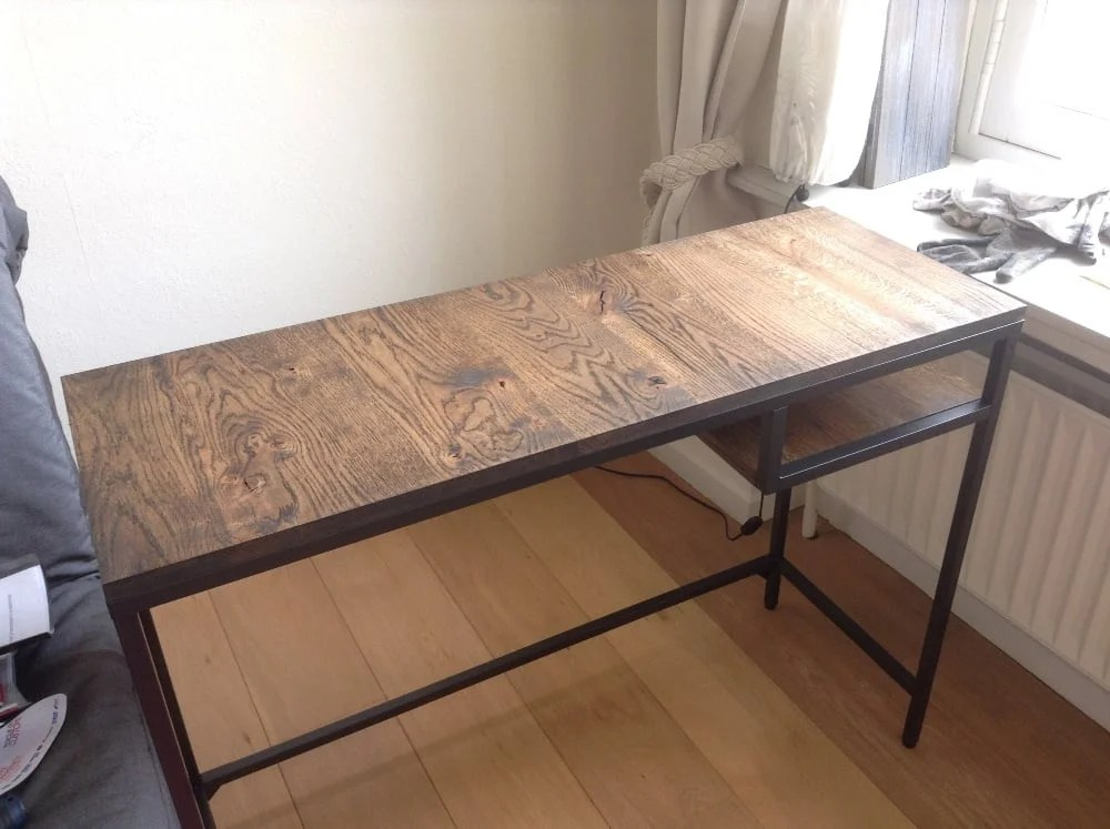 vittsj laptop table upgrate to industrial style bureau. Black Bedroom Furniture Sets. Home Design Ideas