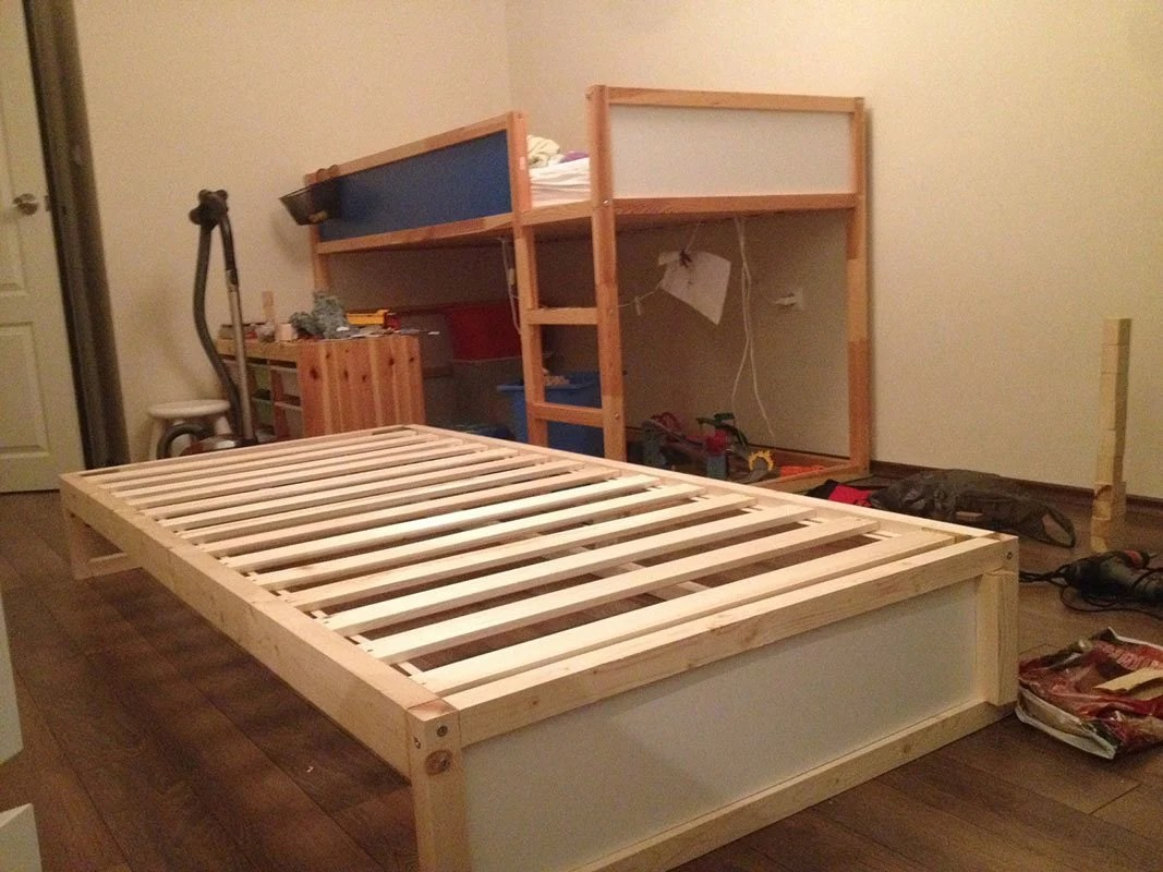 Ideal Split KURA bed and our extension together with x screw with nut mm mounted on the rear long plate and wood screws mm hidden screwed under the