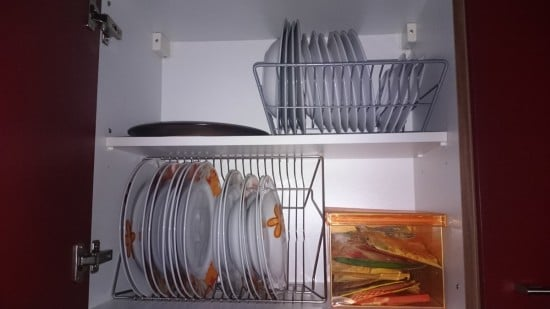 Plate organizer it 39 s easier in and out the kitchen for Kitchen drying rack ikea