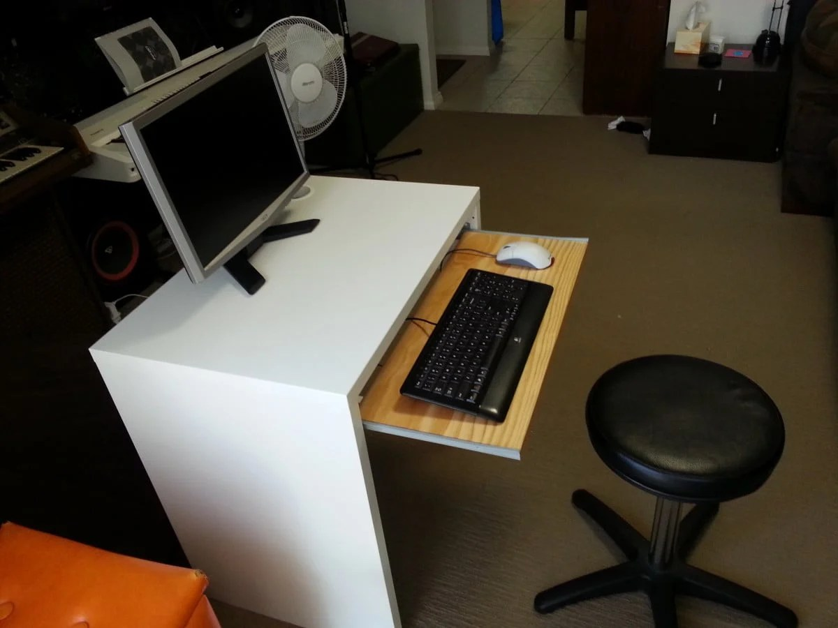 Ikea micke desk with keyboard tray ikea hackers for Email ikea com