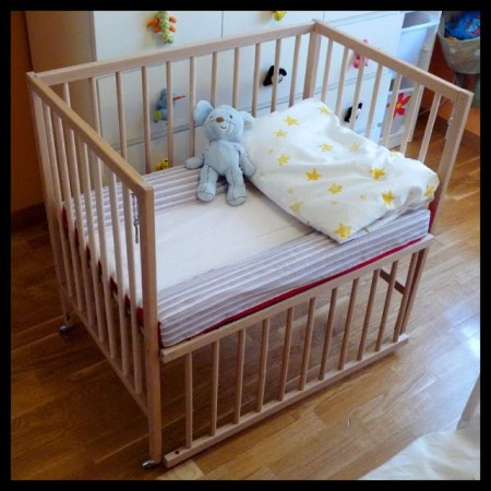 SNIGLAR co-sleeper crib