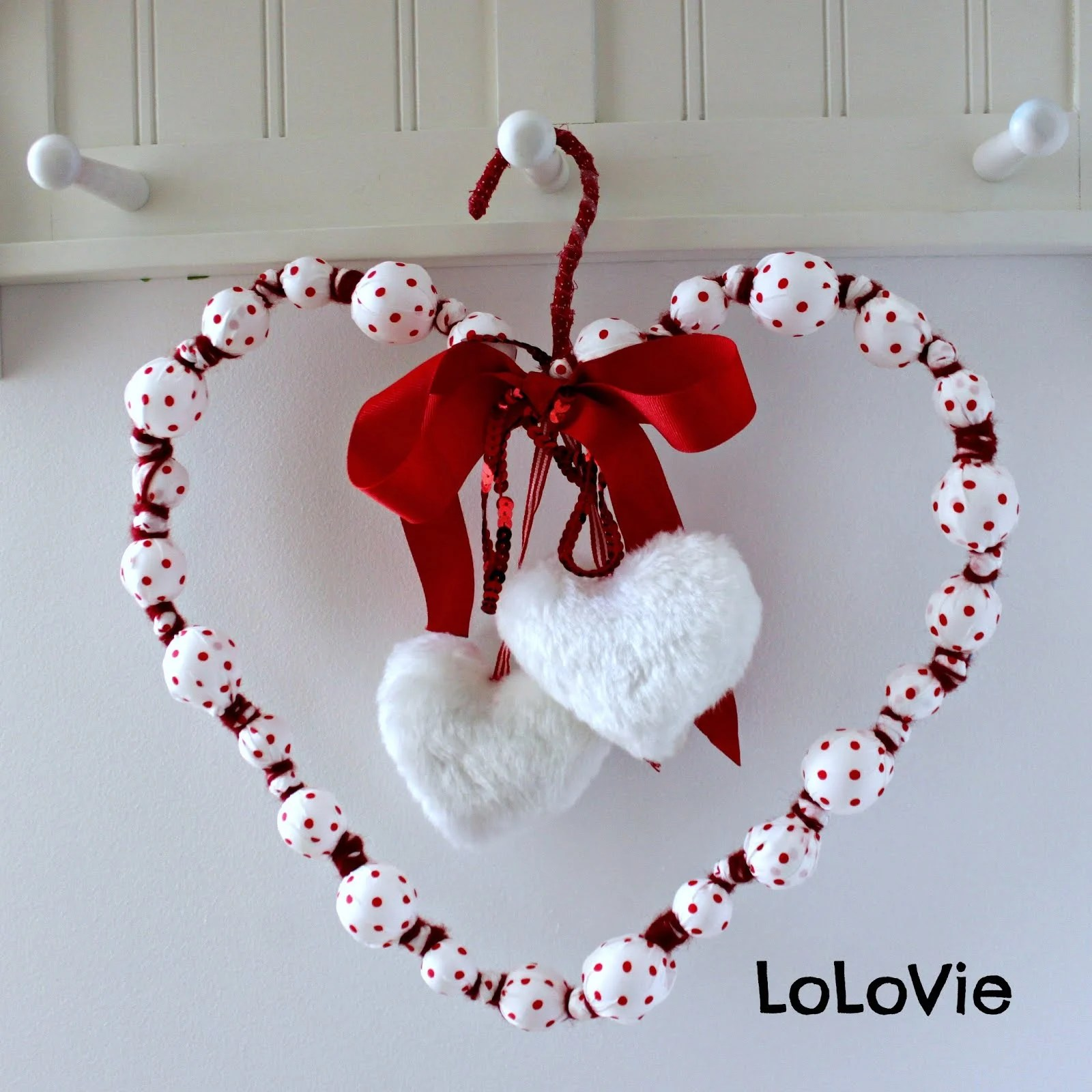 Valentine's Day wreath from Christmas ornaments - IKEA Hackers
