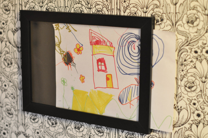 Frame-holder for kids drawings - IKEA Hackers