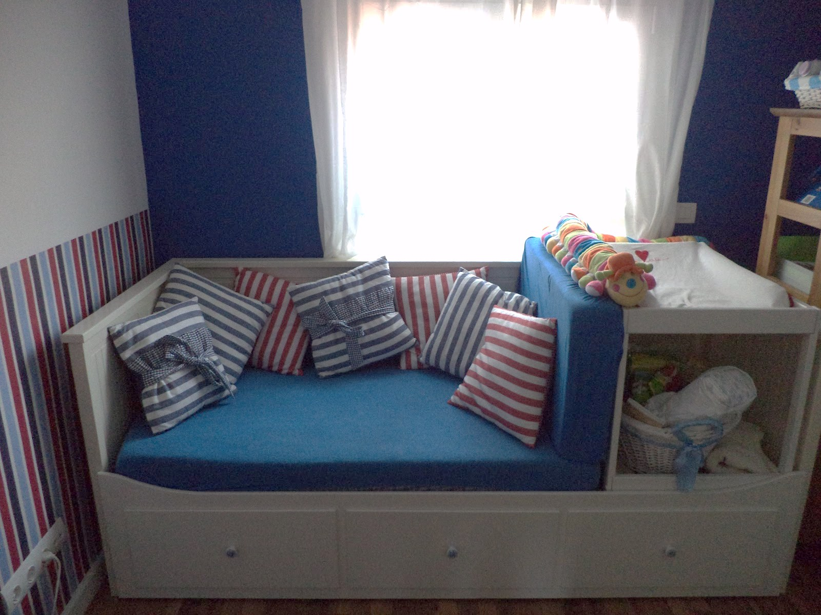 Fabulous Materials Hemnes daybed and Singlar changing table