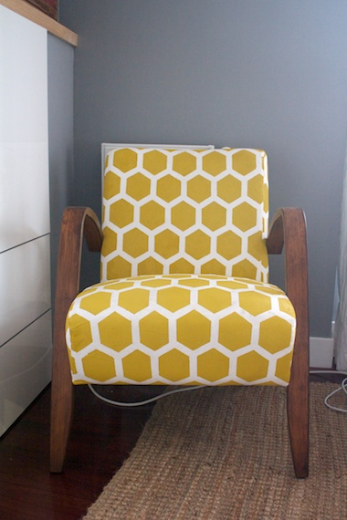 Hova goes Honeycomb IKEA Hackers : ikea hova stenciled chair makeover 2 711324 from www.ikeahackers.net size 380 x 570 jpeg 48kB
