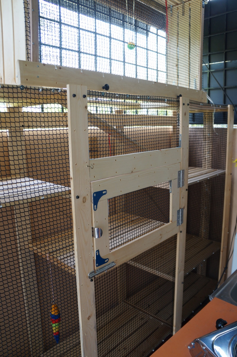 Gorm Shelves Into A Fantabulous Cat House Ikea Hackers