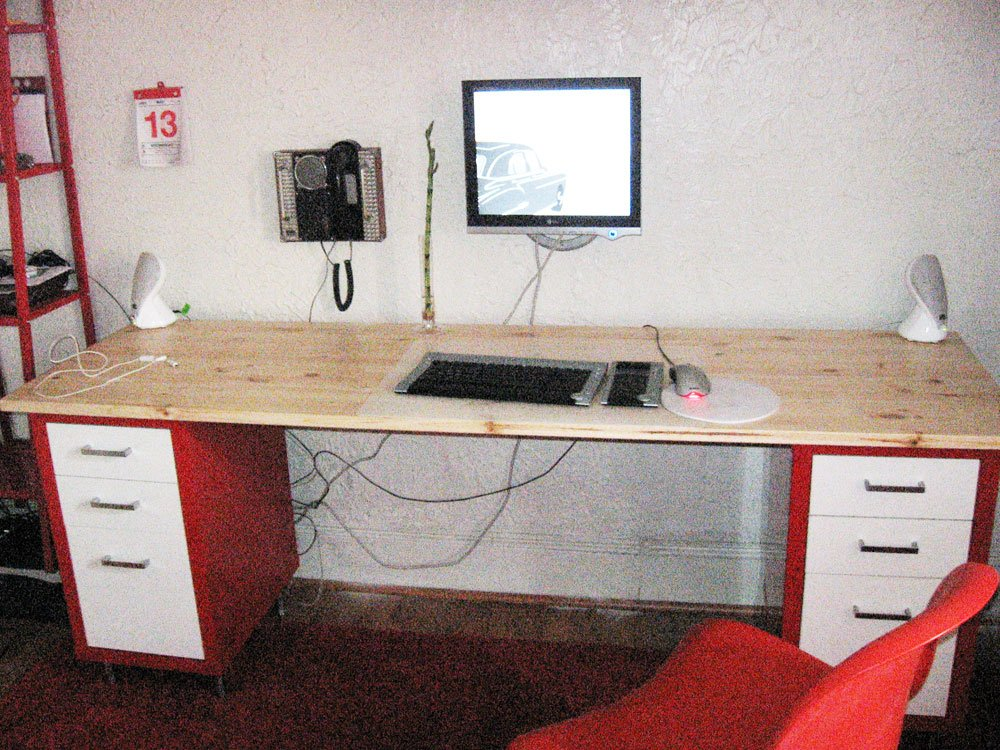 Hacked Desk From Mikael Drawer Units Ikea Hackers