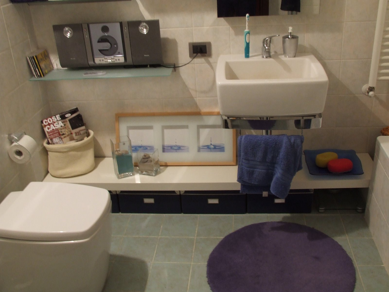 Looking for a low bathroom bench? Here\'s one to hack. - IKEA Hackers