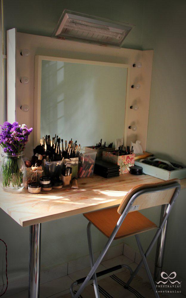 Simple stylish vanity table - IKEA Hackers