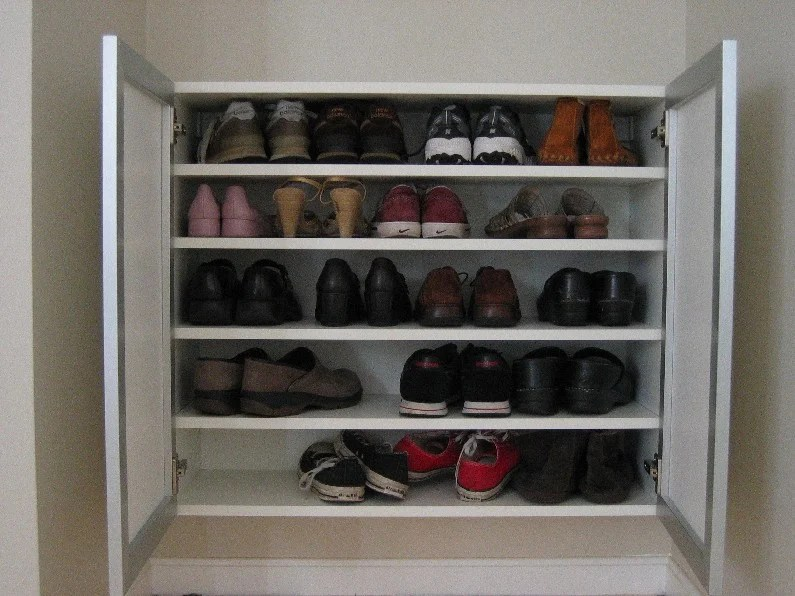 Emily 39 s gorgeous shoe storage ikea hackers for Ikea hack shoe cabinet