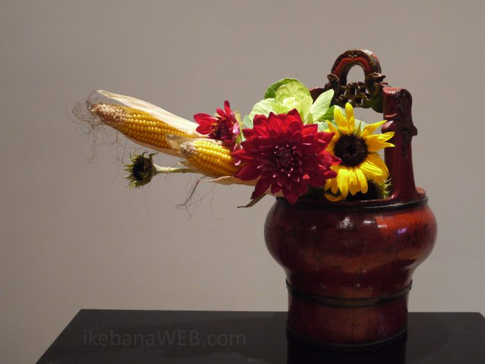 Sogetsu ikebana Morimono with cabbage as a flower by Ekaterina Seehaus