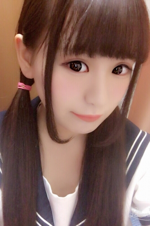 らいかちゃん体験入店8/11初日 (18歳なりたて)