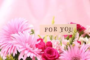 バレンタイン、男性から女性、花、プレゼント