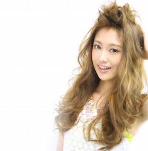 梅雨 髪型 女性、4