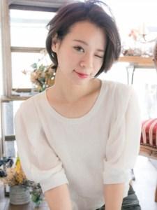冬 人気 ショート 髪型 レディース、5