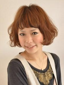 春 髪型 ショート 女性 人気 3