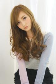 春 ロング 髪型 女性 人気 3
