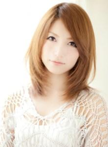 春 ミディアム 髪型 女性 人気 5