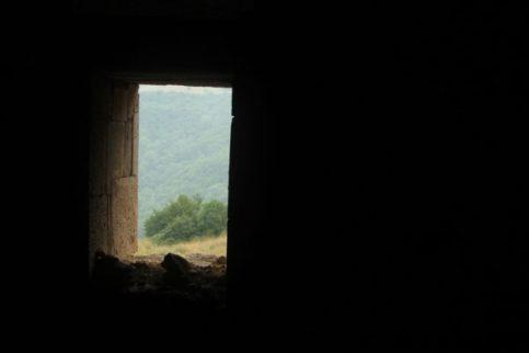 window-2450266_1920