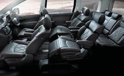 新型エルグランドの後部座席は最強のインテリアで3列目シートの乗り心地も良し。ラゲッジスペースは難あり?