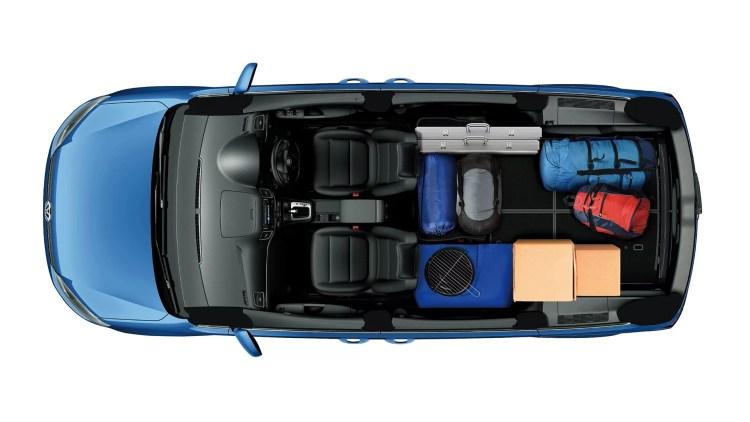 新型シャランの内装評価。後部座席・3列目シートの乗り心地はどうよ!?収納方法は格納式でラゲッジも広々!フルフラットがGOOD!