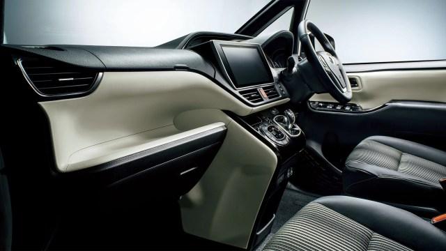新型ノア内装画像特別仕様車