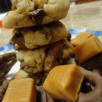Recipe: Chocolate Covered Pretzel Cookies with Caramel