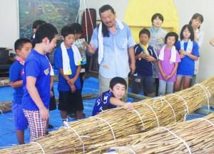 葦船(石川さんの指導でチョリソ作り)