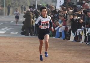 マラソン(貫録の走りで大会新をマークした田中さん)