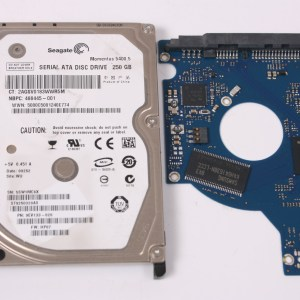 SEAGATE ST9250320AS 250GB 2,5 SATA HARD DRIVE / PCB (CIRCUIT BOARD) ONLY FOR DATA
