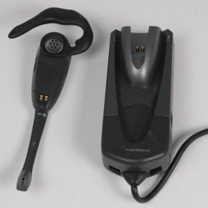 PLANTRONICS CS60 Wireless Headset W/ Charging Base
