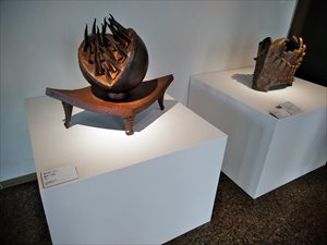 車椅子で行く国立近代美術館工芸館「備前」展
