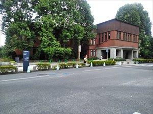 東大病院・南研究棟の1F