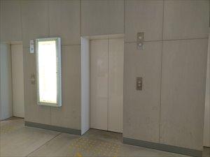 エレベーターは3基