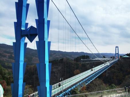 高さ100mを車椅子で渡る 常陸太田竜神大吊橋 バリアフリー情報
