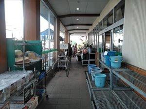 店舗入り口から店舗内はフラットな構造