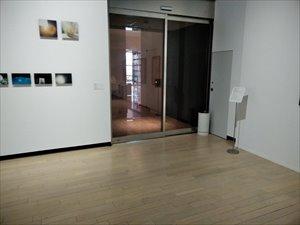 3階展示室の入口と出口には小さい段差