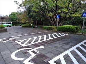 正面口駐車場