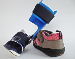 靴・中敷・杖 身体障がいをサポートするオーダーメイド装具
