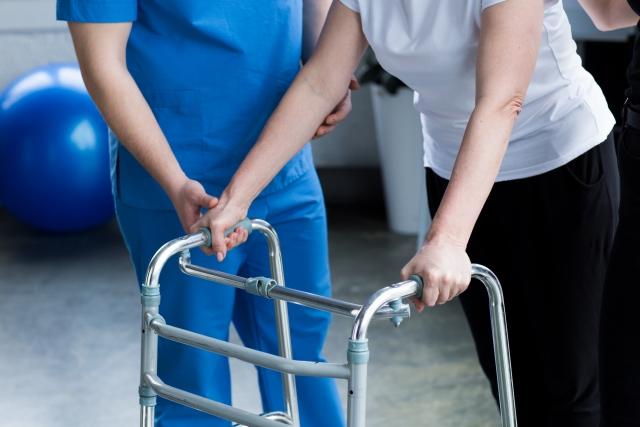 施設で暮らす障がい者の人数 令和2年版厚生労働白書からの推計