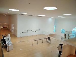 横須賀美術館「糸で描く物語」