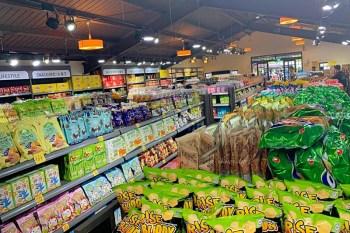 888異國零食共和國|彰化溪湖糖廠888異國泡麵零食狂歡周年慶,專攻日韓零食,免出國就能享受到異國零食!