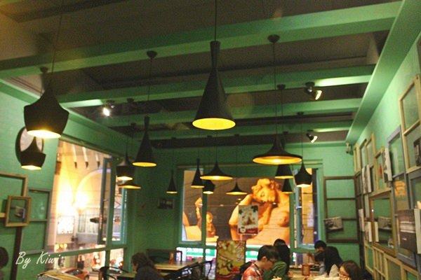 【員林香港茶餐廳】喜喜茶室超有濃郁香港茶餐廳的味道,茶餐廳搬到彰化囉!豬扒包真的不錯呢 - Kiwi 樂活食旅