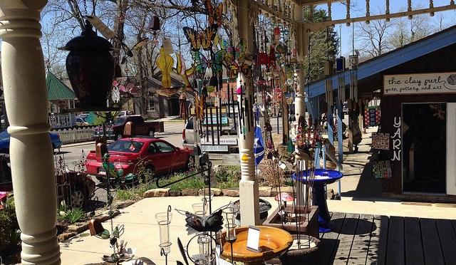 """カワイイ雑貨屋の集まるインディアナ州ブラウンカウンティの芸術村「ナッシュビル」""""Nashville"""""""
